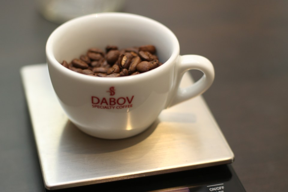 coffee-beans-dabov-cup